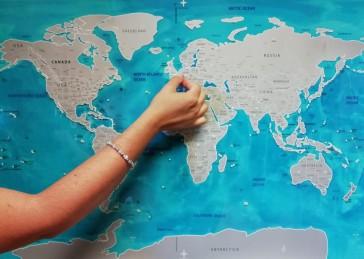 Cartina Mondo Gratta.Mappa Da Grattare Scratch Cm 82 X 58 Idee Regalo Mondadori Store